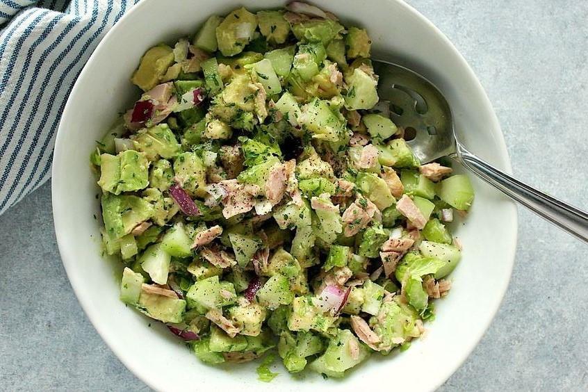 Avokadolu Ton Balıklı Salata